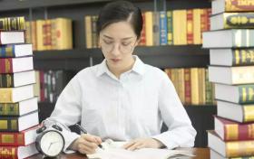 女生学行政管理好就业吗?考公务员有优势吗?
